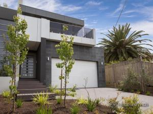 17a-Strachans-Road-Mornington-VIC-3931-Real-Estate-photo-1-large-6428105[1]