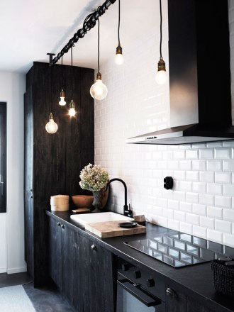 subway_tiles_kitchen